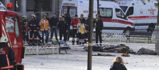 Atentado terrorista em praça em Istambul