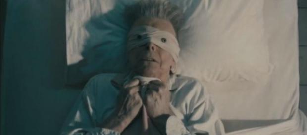 Fotograma de 'Lazarus', de David Bowie