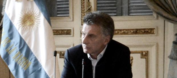 Macri nos madruga a diario con despidos