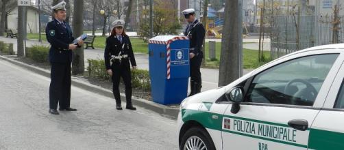 Autovelox e vettura Polizia Municipale