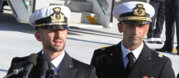 Fotografia dei due militari della marina
