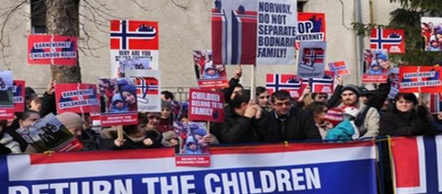 Norvegia desparte la greu copiii români de părinţi