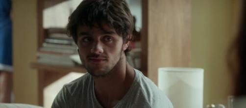 Jonatas não aguenta ficar longe de Eliza