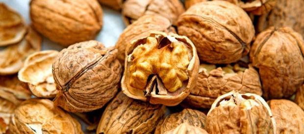 Comer nueces disminuye el colesterol