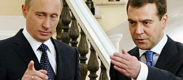 Liderii rusi: Vladimir Putin si Dmitri Medvedev
