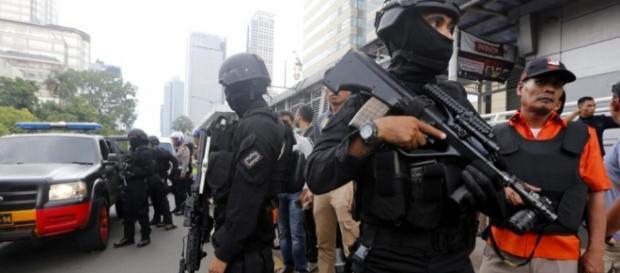 Lo Stato Islamico rivendica l'attacco a Giacarta