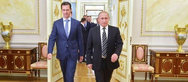 Putin apoia a Síria, mas reconhece erros de Assad