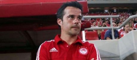 Marco Silva durante um jogo do Olympiakos (Grécia)