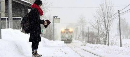 Horodo Kana, a única usuária de um trem no Japão