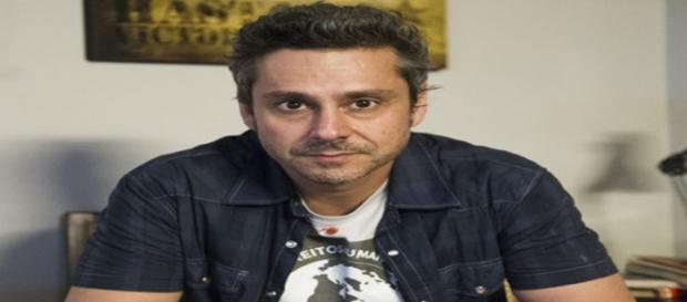 Alexandre Nero é Romero em A regra do Jogo