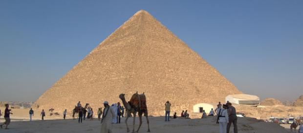 Tecnologia revela interior das pirâmides
