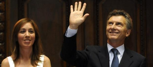 Vidal se endeuda; Macri vende mitad de Vaca Muerta