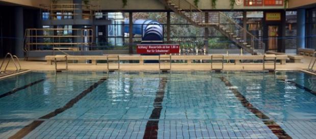Imagine cu piscina din Bornheim