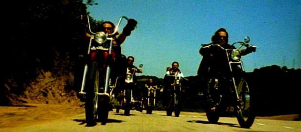 Symbolbild: Gruppe von Motorradfahrern