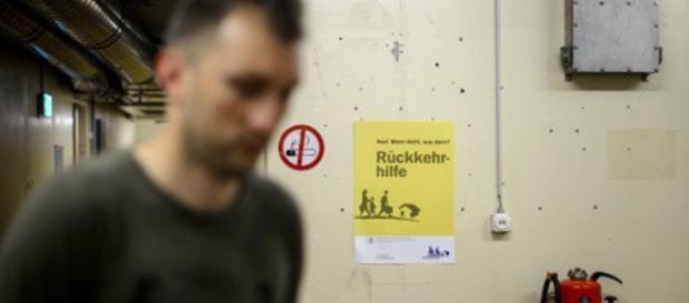 Szwajcaria odbiera uchodźcom pieniądze