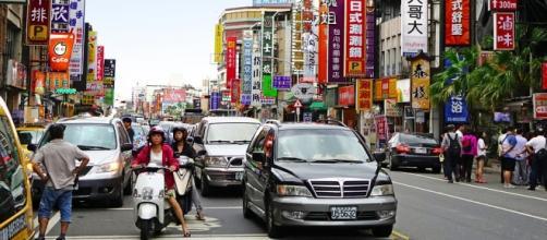 Una calle de una gran ciudad de Taiwán.