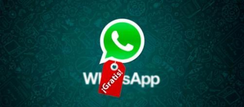 WhatsApp: sparisce l'abbonamento annuale