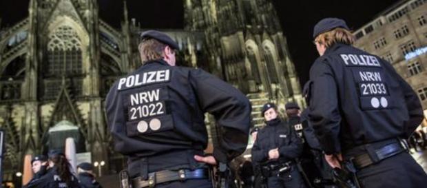Policja z Kolonii była bezradna wobec imigrantów