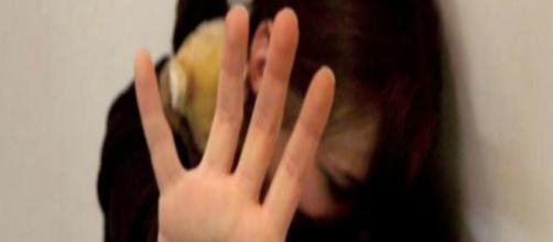 Fotografia di una ragazzina sofferente
