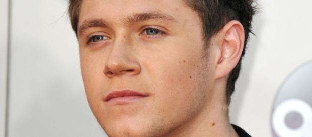 Niall Horan é acusado de abandonar o irmão