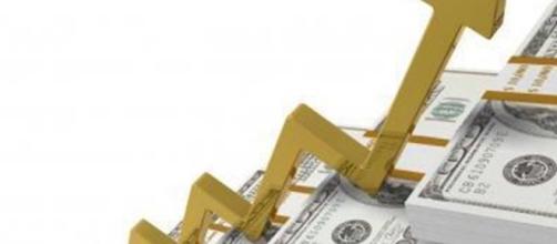 Dólar passa dos R$4,00 novamente