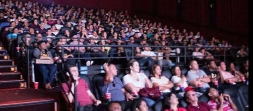 Os dez mandamentos o filme salas lotada na estreia