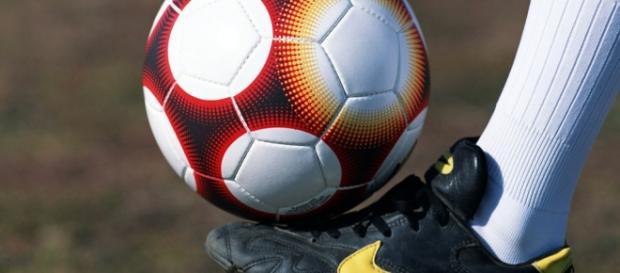 16 equipas vão tentar chegar à II Liga