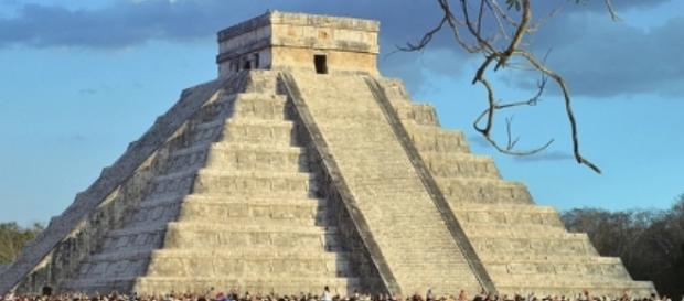 la fortaleza maya es especial en primavera