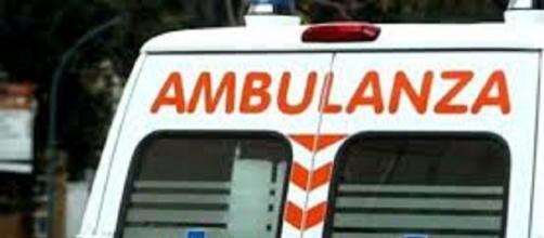 Scontro tra un'ambulanza e un'auto
