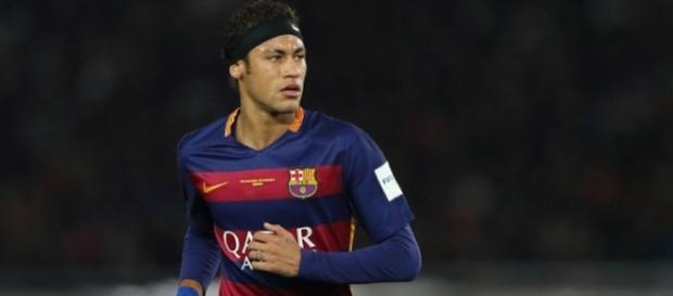Neymar é vítima de racismo em jogo do Barcelona