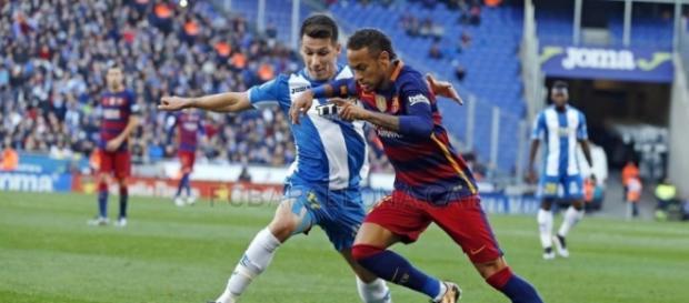 Neymar na partida entre Barcelona e Espanyol