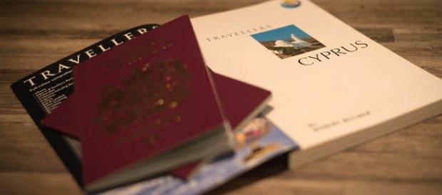 O passaporte vermelho é o sonho de muitas pessoas.
