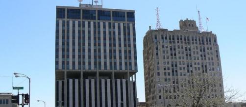 Gennessee Towers located in Flint, MI (Wikimedia)