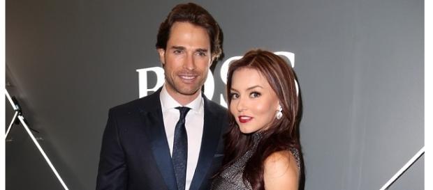 Angelique quer ter um filho com Sebastian Rulli.