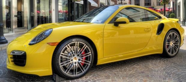 Hermoso Porsche 911 Turbo S (2016)