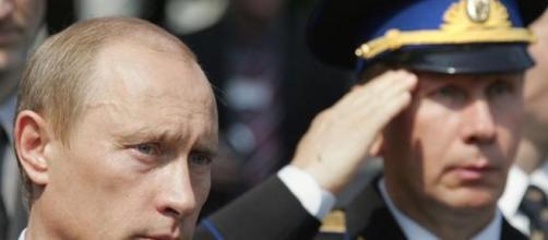 Putin se despide de sus generales