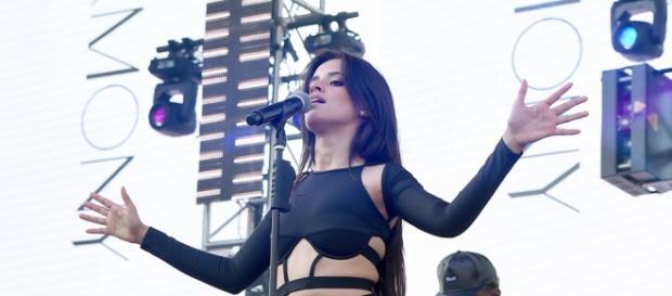 """Camila Cabello lacra cantando """"Love Yourself""""!"""