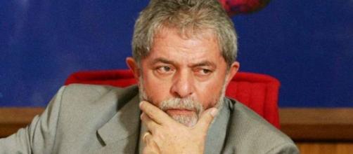 Ex-presidente Lula quer fugir dos depoimentos