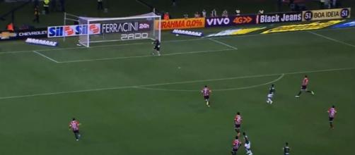 Gol de Robinho em Ceni no Allianz Parque