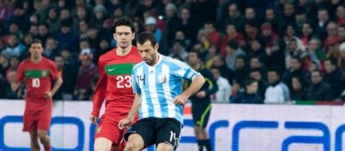Javier Mascherano in una partita con la nazionale