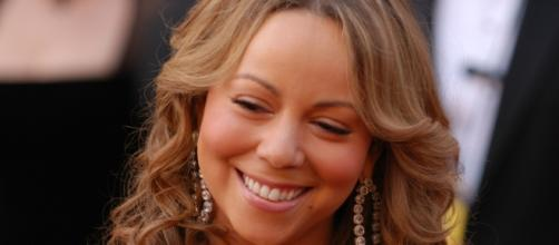 Mariah Carey engaged to James Packer (Wikipedia)
