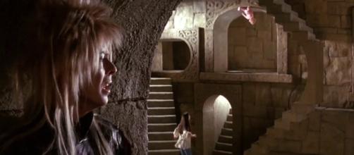 David Bowie canta 'Dentro del laberinto'