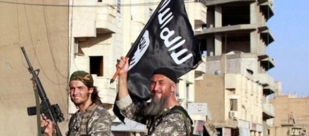 Wojownicy Państwa Islamskiego (The Mirror/Reuters)