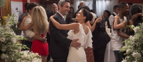 Casamento de Romero e Tóia já começa mal...