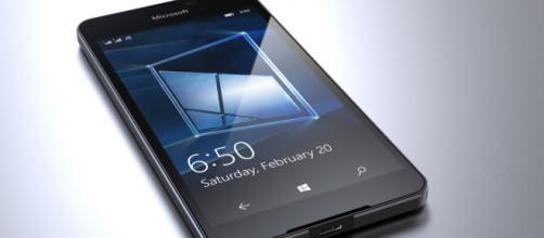 Lumia 650, device che doveva uscire il 1° febbraio