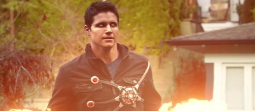 Robbie Amell torna in The Flash 2