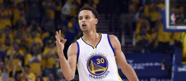 Curry, 37 puntos anoche ante los Spurs