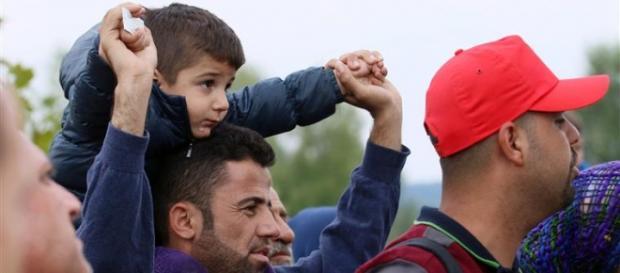 Os imigrantes esperam 3 anos para ver a família