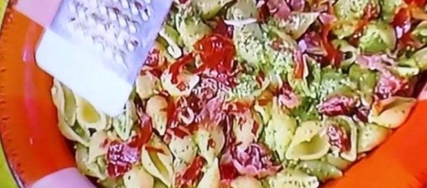 Ricetta Conchiglie di spinaci e speck