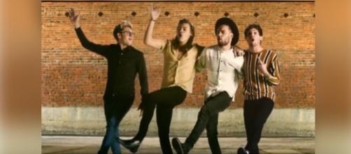 "One Direction lança clipe de ""History"""